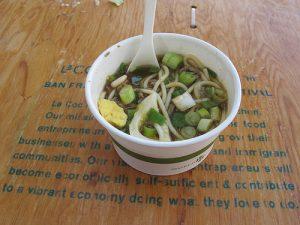 Yakamein: una sopa reconstituyente